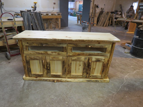 Handcrafted rustic aspen and pine log bedroom furniture, log beds ...